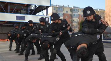 临河区公安局开展警务实战大练兵