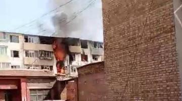 呼和浩特一居民楼发生天然气爆炸
