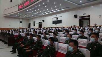 内蒙古军区组织机关和直属队官兵交流