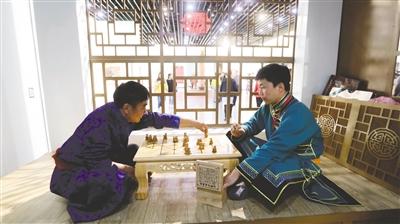 达斡尔族传统体育项目围鹿棋。