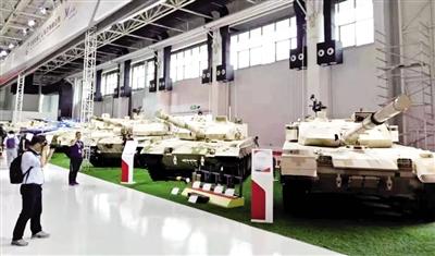 珠海航展静态展示区的五型装甲装备引人注目 (内蒙古一机集团供图)