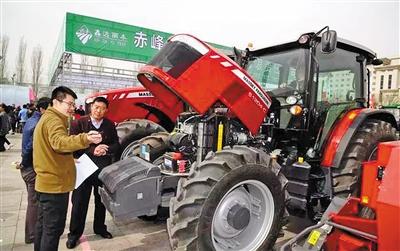 农机展区总是特别引人注目。