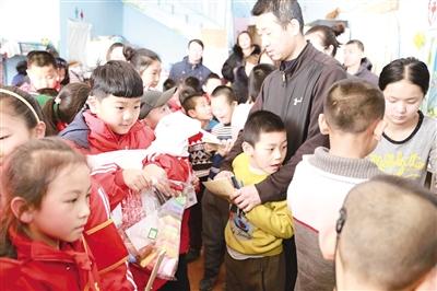 1月15日,赛罕区锡林南路小学分校二年(6)班的同...