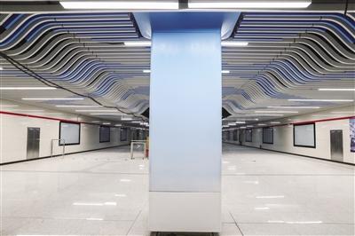 初具规模的地铁车站