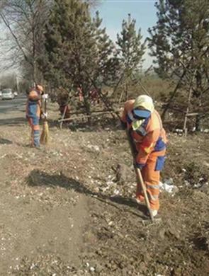 首府:拆除违建遗留垃圾环卫部门清理