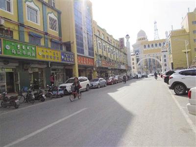 宽巷子整齐有序的街道□文/图 呼和浩特晚报记者 杨永刚