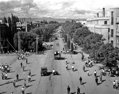 曾经的中山西路。 (呼和浩特市城建档案馆提供)