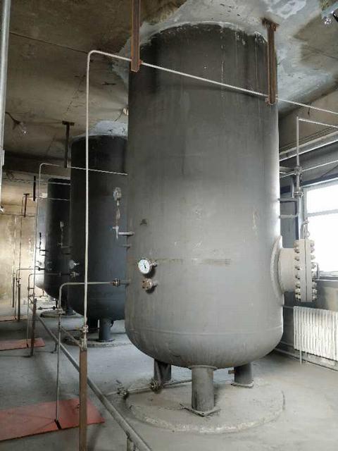 霍市对氢气罐进行检查