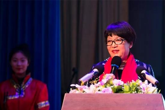 内蒙古红太阳食品有限公司常务副总经理于秀林致辞