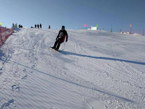 滑雪活动现场