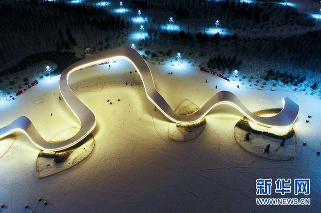 航拍2018年初雪夜景:瑞雪青城