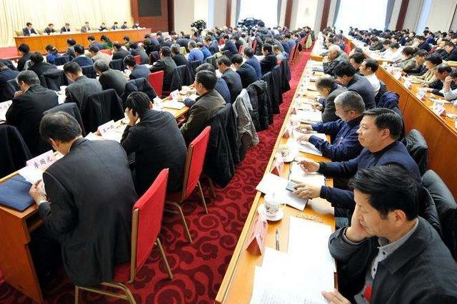 呼和浩特市32家企业获发排污许可证