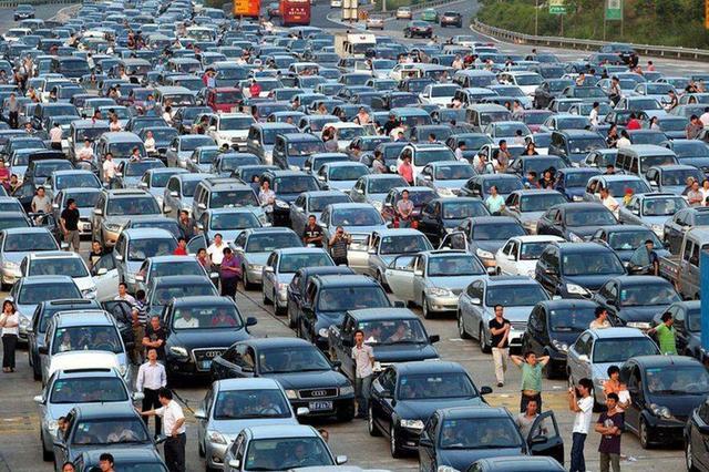 交管部门发布春节期间出行交通安全提示
