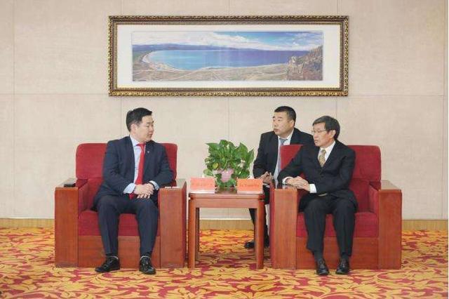 蒙古国工会联合会代表团来我区访问 吴团英会见斯·额尔敦巴图