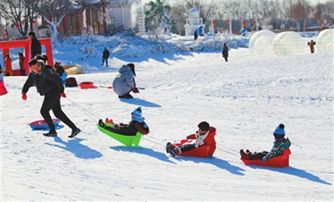 """内蒙古冰雪经济""""热""""起来 草原冬天不再冷"""