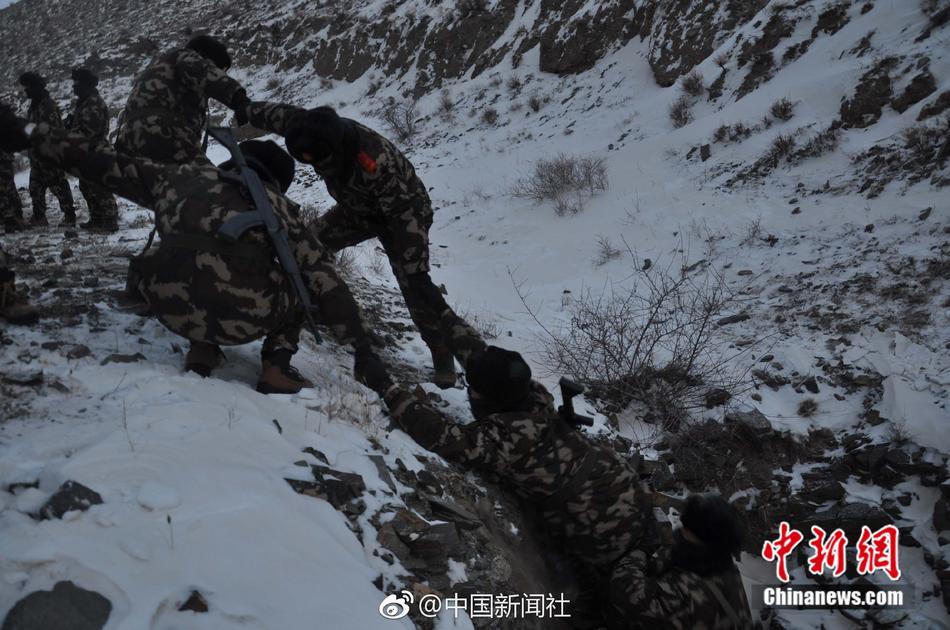 钢铁意志!内蒙古边防官兵-30℃中大练兵