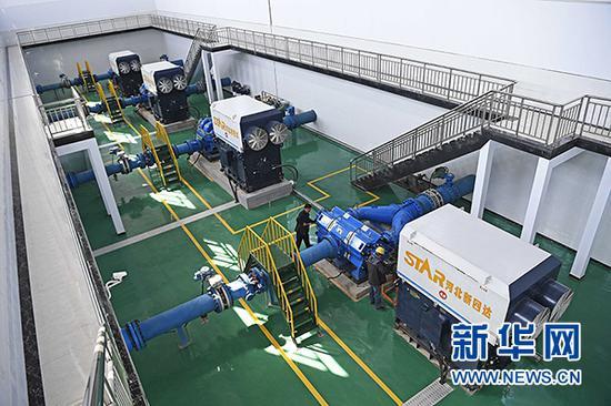 西线供水工程三泵站内景。新华社记者 王鹏 摄