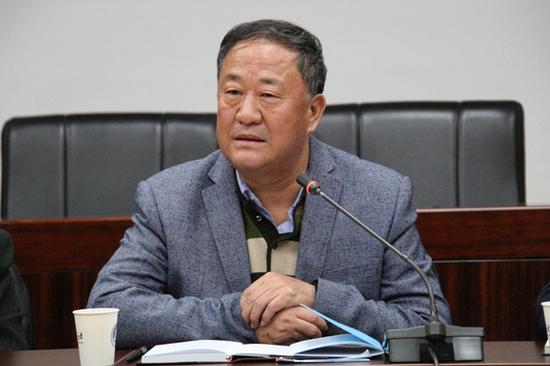 自治区记协主席李安宁