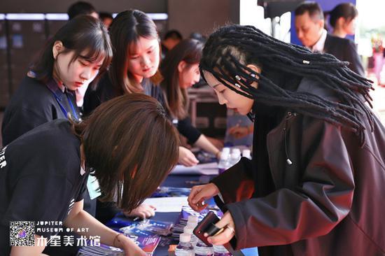 木星撞深圳?木星美术馆开馆展览启幕 呈现代表性中国当代艺术