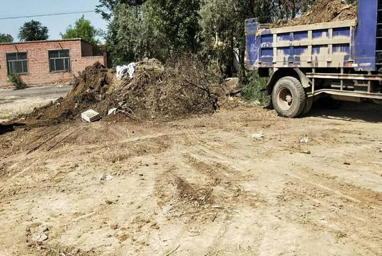 清理村庄杂草、垃圾