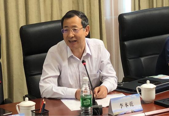 李本乾(上海交通大学媒体与传播学院院长、教授、博士生导师)