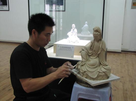 福建省陶艺领军人物—陶瓷艺术大师刘铭志
