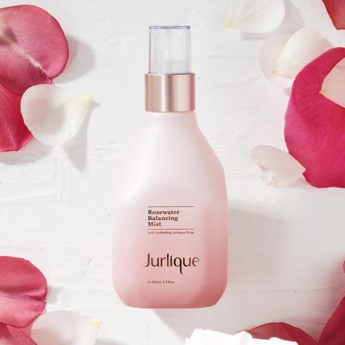 茱莉蔻花卉水系列喷雾,让肌肤水润一整夏