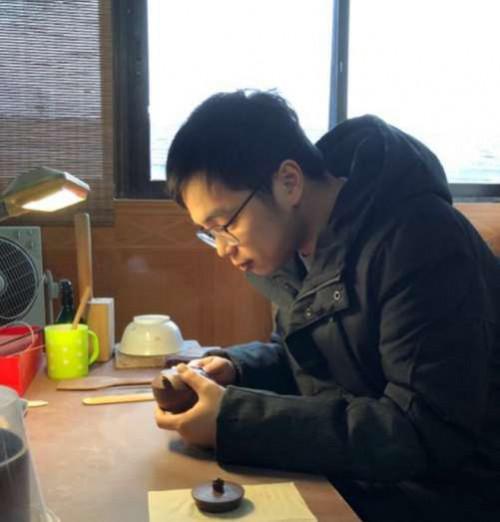 紫砂艺术家章昌仑