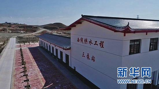 西线供水工程三泵站。新华社记者 王鹏 摄