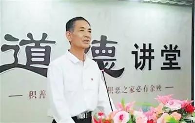 王富国在讲述自己的参军经历