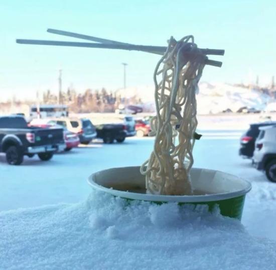 新发明的雪地运动