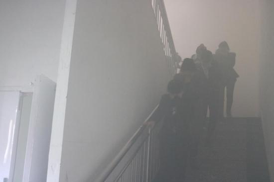 永泰商场开展模拟火灾疏散演练
