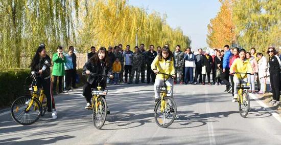 别开生面的慢骑自行车比赛
