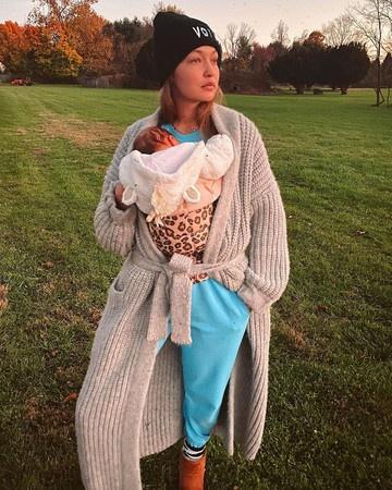 吉吉-哈迪德首晒女儿照片:全新境界的忙和累