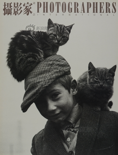 《摄影家》杂志第29期封面:卡西迪和他的猫,Allen MacWeeney作品
