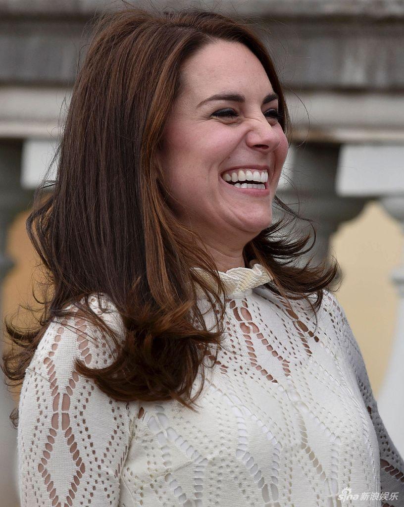 组图 凯特王妃表情管理失控 大笑颜值崩坏