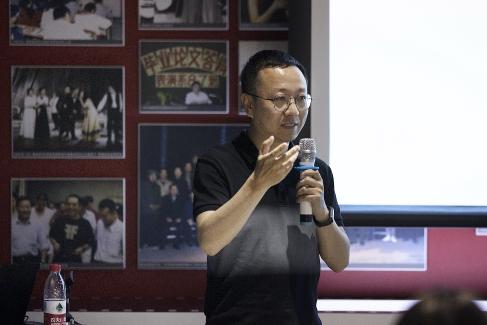 光線傳媒人力資源部總監王鑫做主旨演講