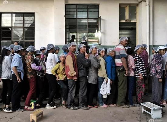 《劳动人口》摄影: @uYnAil(来自图虫网征稿)