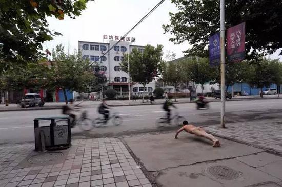 《那一刻》2013年7月20日 陕西富平 妇产科医生拐卖婴儿事件