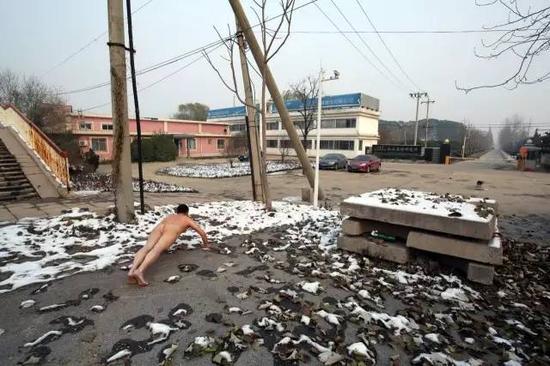 《那一刻》2015年11月24日北京迷笛音乐学校16名学生吸毒事件 作品1号