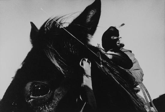 大脚纪念马会,追悼1890年发生于伤膝涧之苏族大屠杀,美国南达科塔,Guy Le Querrec作品,1990