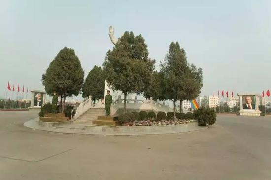雕像,河南,2006