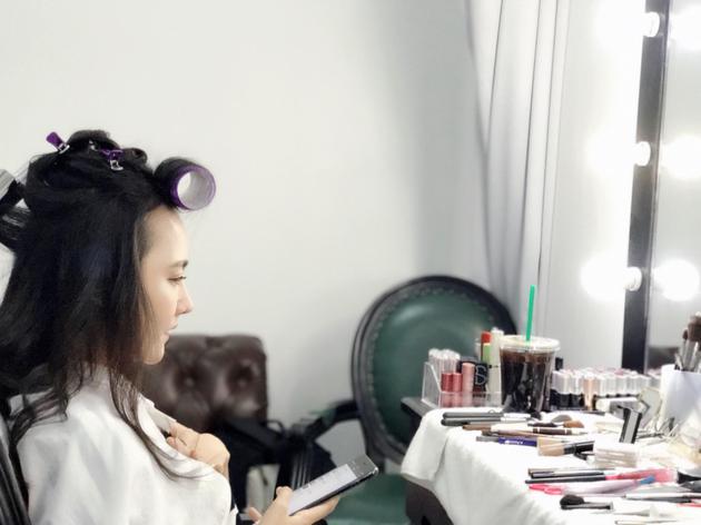 孙骁骁素颜直播化妆
