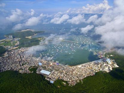 2017年8月16日,航拍第十五届南海(阳江)开渔节在广东省阳江市海陵岛举行开船仪式。关勇军 摄