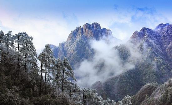 陵阳风光-楼台雪霁 梅志平 摄
