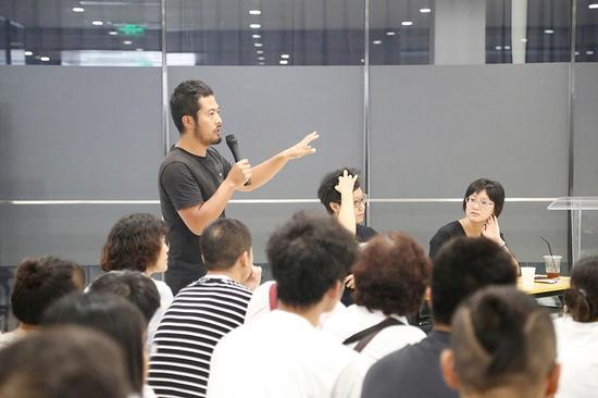 李隽辉介绍作品《繁荒地》