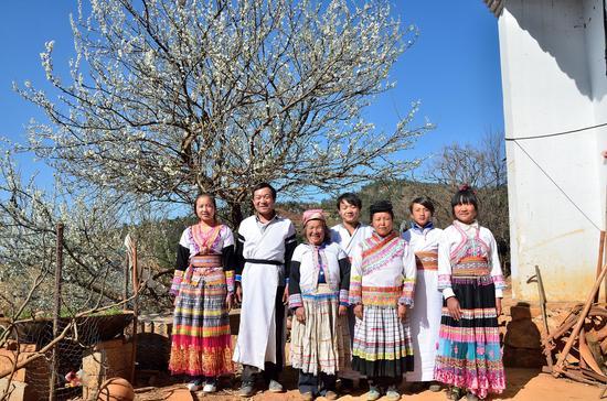 《苗寨喜事》 陆和荣 苗族 摄于云南省宣威市西泽镇建设村