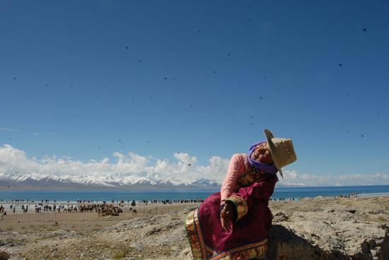 《甜蜜的梦》吴炳利 藏族 摄于西藏纳木措