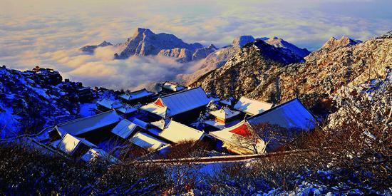 《碧霞祠冬雪》摄影:王德全