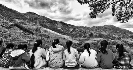 《想念大山外的亲人》摄影:@WL沉静心灵